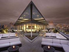 Photo of Radio Rooftop Bar in London found on www.worldsbestbars.com - the site with a mission to locate and review the planet's finest bars