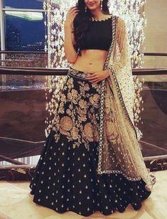 Wedding wear Lehenga Designer Indian Latest saree Bollywood lengha choli set new Indian Attire, Indian Wear, Indian Dresses, Indian Outfits, Lehenga Blouse, Lehenga Choli, Wedding Outfits For Groom, Banquet Dresses, Desi Wear