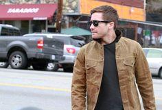 Jake Gyllenhaal Photos: Jake Gyllenhaal at a Silver Lake Studio