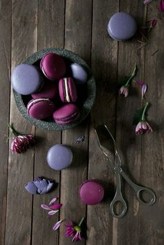 "shorenaratiani: "" Blackberry Balsamic Macaroons Source: http://foodlovin.de/ """