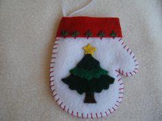Christmas Tree White Felt Mitten Ornament/Gift Card Holder. $5.50, via Etsy.