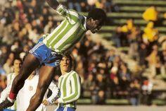 Mar del Plata, Mundial da Argentina, 1978. A França defronta a Hungria envergando a camisola do clube local, Kimberly. (Trésor)