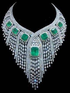 elegant diamond necklaces that are Amazing Emerald Jewelry, High Jewelry, Luxury Jewelry, Bling Jewelry, Diamond Jewelry, Vintage Jewelry, Jewelry Accessories, Diamond Necklaces, Emerald Diamond