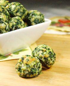 Ingrédients 1 paquet (280 g) d'épinards surgelés, décongelés et bien drainé 1 paquet de chapelure ou écraser le pain d'un jour 2 petits...