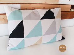 Cojín geométrico #home #deco #DaWanda #design #Diseño #handmade #hechoamano