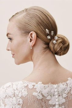 Sara Gabriel Flapper Hair Pins In Gold – Size: One Size - Wedding Hair Styles Coque Vintage, Vintage Updo, Half Up Wedding Hair, Winter Wedding Hair, Boho Wedding, Easy Updo Hairstyles, Wedding Hairstyles, Style Hairstyle, Bridesmaid Hair