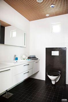 Black and white Bathroom Inspiration, Bathroom Ideas, Double Vanity, Small Spaces, Toilet, Indoor, House Design, Black And White, Interior Design