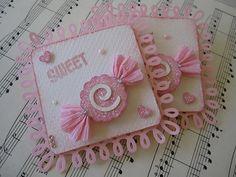 Sweet Glitter Candy Embellishments  / Buena idea para utilizar papel crespón en forma de caramelo