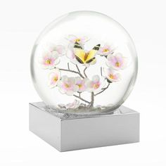 Beautiful yellow butterfly and pink cherry blossoms Snow Globe Lots of pretty Pink Glitter Cool Globes, Water Globes, Tiny World, Novelty Items, Happy Spring, Glass Globe, Pink Glitter, Decoration, Emerson