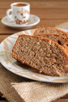 Cake with banana and nuts