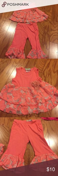 """""""The big citizen"""" coral top w/ matching leggings Adorable coral a-line top and capri leggings. The lace and fabric detail on this set is very cute and unique. Good condition-small stain on shirt shown in picture.  Comes from a pet-free/smoke-free home. the big citizen (Los Angeles) Matching Sets"""