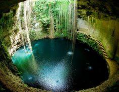Cenote ondergrondse poel bij Chitzen Itza