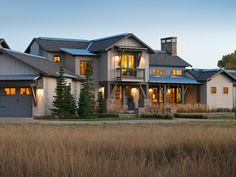 A first look at the HGTV Dream Home a modern rustic ranch in Utah with mountain views. Enter to win the house and everything inside it! Modern Rustic Homes, Rustic Home Design, Dream Home Design, Hgtv Dream Home Winners, Hgtv Dream Homes, Dream Home Gym, House Design Photos, Modern Exterior, Exterior Homes