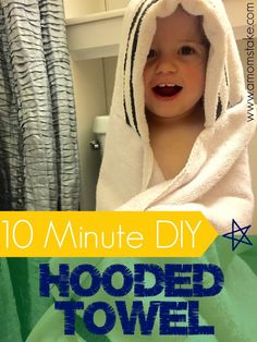 Make your own DIY Hooded Towel. Its so easy, and youll get a super absorbent towel that will last them from newborn baby all the way up through toddler and grade school ages! Seriously, skip those thin towels for babies and make one of these. So quick and Toddler Towels, Kids Hooded Towels, Hooded Bath Towels, Baby Hooded Towel, Baby Sewing Projects, Sewing For Kids, Sewing Ideas, Diy Projects, Sewing Patterns