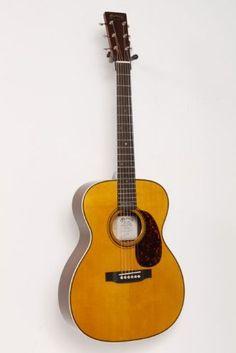 Santas Tools and Toys Workshop: Musical Instruments: Martin 000-28 Eric Clapton Signature Acoustic Guitar Natural 886830423192