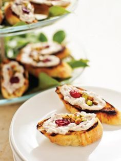 Crostini With Herbed Cream Cheese Spread
