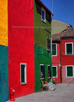 burano colors #red #green