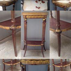 console de salon dessus marbre à galerie ajourée en laiton . XX siècle .