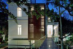 O Palacete das Artes Rodin Bahia possui uma arquitetura única ganhadora de vários prêmios internacionais.