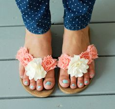 Easy Diy Floral Summer Sandals  •  Free tutorial with pictures on how to make a sandal / flip flop in under 30 minutes