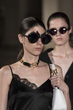 Masha Ma at Paris Fashion Week Spring 2019 - Details Runway Photos For Your Eyes Only, Daily Look, Paris Fashion, Eyewear, Sunglasses, Spring, Floral, December, Runway