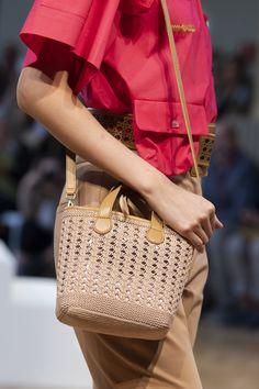 Vivetta at Milan Fashion Week Spring 2020 - Details Runway Photos Fashion Bags, New Fashion, Milan Fashion, Fashion Spring, Runway Fashion, Fashion Trends, Vivetta, Celine Bag, Crochet Bags