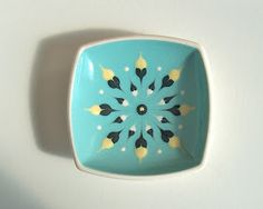 Potshots: Hornsea Pottery slip-decorated fish dish from the Vintage Baking, Retro Vintage, Vintage Kitchen, Hornsea Pottery, Pottery Patterns, Antique Pottery, Vintage Dinnerware, Mid Century Modern Decor, Create And Craft