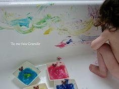 Diy Bebe, Kids And Parenting, Plastic Cutting Board, Hui, Baby, Logan, Kids Art Activities, Young Children, Edible Paint