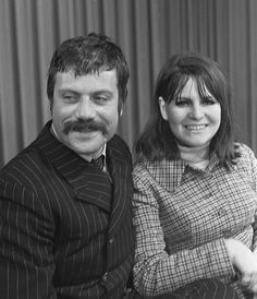 Oliver Reed with his wife (1968)