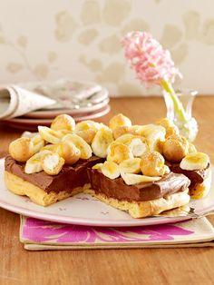 Die Traumkombi Schokolade und Banane als Torte: Brandteigtorte mit Schokocreme und Bananen