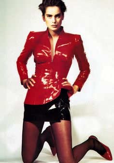 Guzman for Harper's Bazaar, March Jacket by Thierry Mugler. Dolly Fashion, Red Fashion, Leather Fashion, High Fashion, Vintage Fashion, Fashion Outfits, Fashion Trends, Grunge, Ray Bans