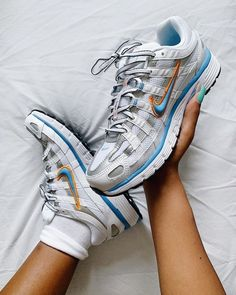 Check out the Nike sneaker! Check out the Nike sneaker! Hype Shoes, Buy Shoes, Me Too Shoes, Sneakers Fashion, Sneakers Nike, Swag Shoes, Aesthetic Shoes, Mode Streetwear, Nike Outfits