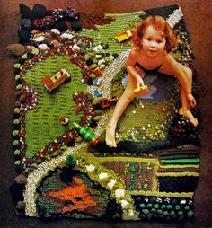 "From Jan Messent's book ""Knitted Gardens"". This idea could be adapted using crochet. Create a ""play blanket"" for kids. Diy Tricot Crochet, Kids Crochet, Crochet Lace, Do It Yourself Inspiration, Rug Inspiration, Crafts For Kids, Diy Crafts, Waldorf Toys, Cool Rugs"