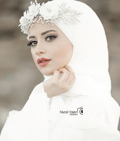 Hijab styles 734157176733180096 - Hijab Accessories Source by Muslimah Wedding Dress, Hijab Style Dress, Muslim Wedding Dresses, Muslim Brides, Muslim Dress, Bridal Dresses, Dress Wedding, Muslim Girls, Bridal Hijab