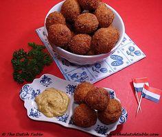 The Dutch Table: Bitterballen (Dutch deep-fried gravy) Veal Recipes, Dutch Recipes, Cooking Recipes, Danish Recipes, Slow Cooking, Dutch Croquettes, Croquettes Recipe, Bitterballen Recipe, Cooking Websites