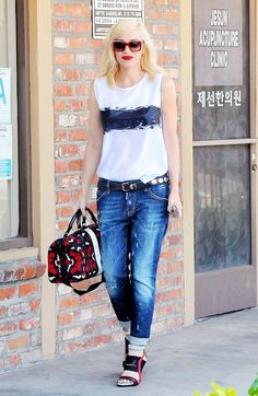 gwen can do no wrong! What 17 Real Men Think About Your Boyfriend Jeans via What To Wear Today, Who What Wear, Womens Sleeveless Tops, Perfect Jeans, Gwen Stefani, T Shirt Diy, Fashion Advice, Jeans Style, Autumn Fashion