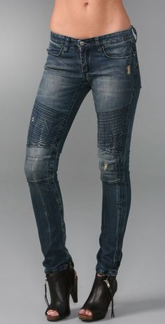 Get ready to refresh your denim collection. Motocross jeans are becoming so popular this season. It's one of my favourite denim trends at t. Mom Outfits, Jean Outfits, Pretty Outfits, Casual Outfits, Cute Outfits, Fashion Outfits, Moto Pants, Biker Jeans, Denim Jeans