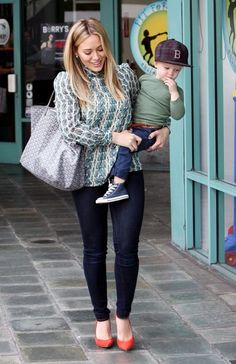 Hilary Duff is a chic mommy