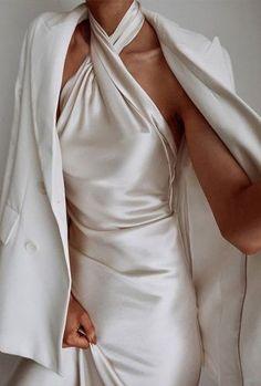 Club Fashion, Look Fashion, Fashion Beauty, Fashion Tips, Winter Fashion, The Dress, Dress Skirt, Wedding Dress Black, Looks Street Style