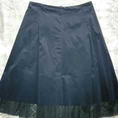 Beautiful I.N.C Black Skirt with Tulle Detail Sz 2 Great Skirt for any occasion. INC International Concepts Skirts Midi