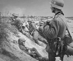 """"""" German soldiers during the battle for Warsaw """"- pin by old Paolo Poop Stain  Marzioli"""