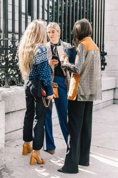 The Best New Fashion-Girl Pieces We're Adding To Cart, Stat These are our favorite new fashion-girl pieces that we're buying in anticipation for fall. Best Street Style, Looks Street Style, Looks Style, Street Style Trends, Street Chic, Street Wear, Look Fashion, Girl Fashion, Fashion Outfits