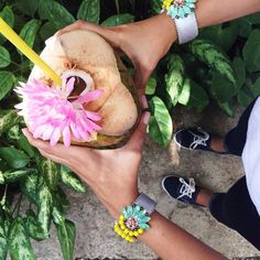 We trade the #ElasHappyHour for some coconut water! Happy Friday! #LiveInTheTropics #SienaCalypso #Isleña