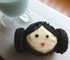 Princess Lea cupcake - genius idea and easy with Oreos, chocolate icing and some cake sprinkles.