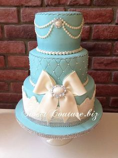Pearl Quilted Tiffany Blue Elegant Cake