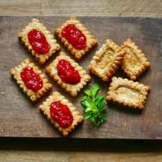 Cheese Biscuits with Tomato Jam Savoury Biscuits, Cheese Biscuits, Bake Off Recipes, Tomato Jam, Gbbo, Great British Bake Off, Hors D'oeuvres, Just Desserts, Strawberry