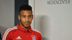 Galerie: Während Corentin Tolisso sein erstes Bayern-Training absolvierte, kehrten Nationalspieler aus dem Urlaub zurück.