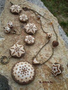 Lilith Gyöngyékszerek: Capuccino szett beadwork on stone Beaded Brooch, Beaded Rings, Beaded Necklace, Beaded Bracelets, Pendant Earrings, Filet Crochet, Beaded Starfish, Beaded Jewelry Designs, Beaded Jewellery