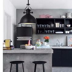 Browse photos of Small kitchen designs. Discover inspiration for your Small kitchen remodel or upgrade with ideas for organization, layout and decor. Industrial Kitchen Design, Industrial Interiors, Kitchen Interior, Kitchen Decor, Industrial Decorating, Industrial Furniture, Urban Industrial, Vintage Industrial, Industrial Kitchens
