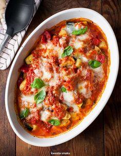 Gnocchi zapiekane w sosie pomidorowym z mozzarellą i warzywami
